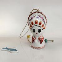 景德镇陶瓷风铃厂家直销 创意卡通新娘挂件 景区地摊热销礼品批发