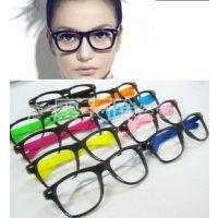 供应潮人复古大框黑框眼镜框 平光眼镜非主流 男女眼镜架批发彩腿9050