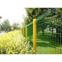 江苏苏州低碳钢丝绿地围栏 绿地专用隔离栅