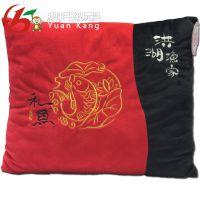 深圳周围刺绣厂 靠垫毛绒材质年年有余抱枕图案绣花PP棉抱枕加工