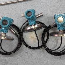 供应西安投入式液位计变送器选型榆林超声波液位计厂家