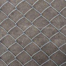 足球场围栏 学校操场围网 勾花防护网