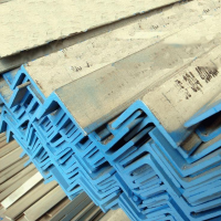 90*90*6等边不锈钢角钢有较好的塑性变形性能