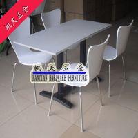 长方形铸铁4人卡座桌椅 外观时尚 用于餐厅酒吧家具配件销售全国