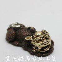 批发供应纯手工古玩杂项紫铜鎏金貔貅吊坠33*17*10mm