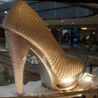 厂家专业定制各种玻璃钢雕塑、商场美陈装饰仿真高跟鞋专业定制