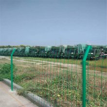 生产便宜的铁丝网围栏 普通铁丝护栏网 双边丝护栏 万泰