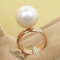 时尚火爆新款个性白搭珍珠戒指韩版精致夸张来自星星的你指环