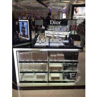 好的化妆品展柜可以不断提高产品档次