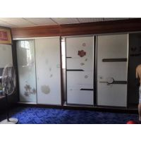 玻璃橱柜门打印机 木板烤漆门彩绘机 龙润UV万能喷绘机