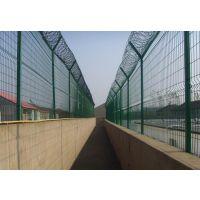 铁路护栏网【图片】道路隔离网、护栏网价格批发、昌泽护栏网生产厂家