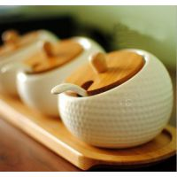 厂家热销 日本ZAKKA杂货 陶瓷榴莲形调料罐 椒盐瓶 送勺子