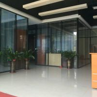 办公室玻璃隔断厂家。