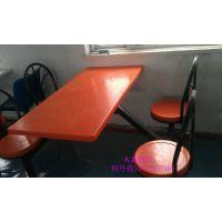 天津工厂食堂连体桌椅组合不锈钢曲木四人位餐桌椅