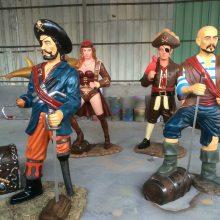 防城港定做树脂动漫海盗人物雕塑彩绘独眼龙海盗船长玻璃钢摆件