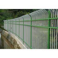南京绿色专用互胜围墙锌钢栅栏生产厂家