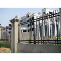 供应热镀锌A型围墙护栏 采用国际先进的锌钢工艺制作 使用寿命长达30年以上
