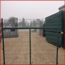 护栏隔离网 公路隔离网 围墙铁丝网最新报价