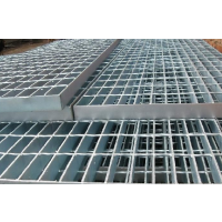 生产销售:253/30/100热镀锌钢格板/镀锌钢格栅板/钢格板/钢格板吊顶