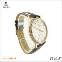 欧奈尔爆款热销石英表 不锈钢男款皮带手表 女款防水手表