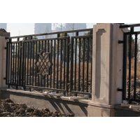 广东户外围墙护栏的生产安装价格 深圳深绿色锌钢围墙护栏的特点