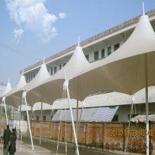 供应白色张拉膜自行车棚,主席台张拉膜雨棚陕西厂家多种规格定制销售