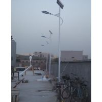 龙江照明供应遵义凤冈县锂电池太阳能led路灯6米40瓦厂家