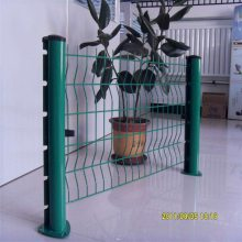 C型柱护栏 低碳钢丝小区护栏网 浸塑围栏网