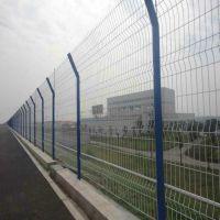 朋英厂家直应公路防护网浸塑镀锌丝公路防护网