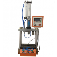 小型四柱气液增压机
