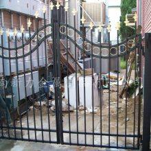 郑州工厂一手货源小区学校公园铸铁围墙围栏 铁艺护栏样式新颖 美观大方 价格便宜 河南新力