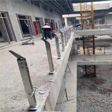 苏州新云供应工程不锈钢楼梯栏杆、工程立柱。厂价供应!