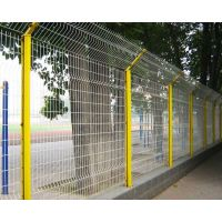 上海三折弯护栏网@小区防护黄色折弯护栏网@鑫隆出口护栏网厂家