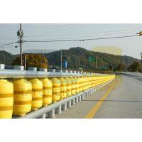 青岛泰诚厂家直营公路旋转护栏、公路旋转式防撞桶、旋转护栏 公路、eva旋转护栏