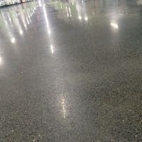 东莞南城车间地面打磨翻新----万江服装厂地面起灰处理