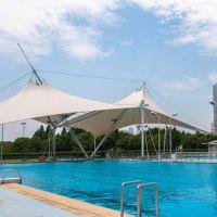 热销PVDF泳池张拉膜结构遮阳棚 火车站入口膜结构 学校主席台膜结构膜布批发