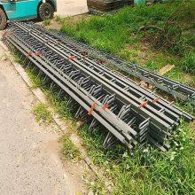 陆韵 公司生产的 多组式桥梁伸缩缝 是由16MN热轧钢焊接而成的