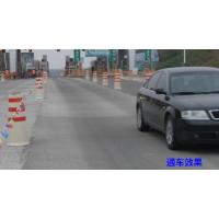 路面不平怎么办?快用水泥路面修补料补救。