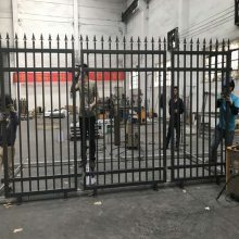 揭阳光伏电站护栏厂家 珠海热镀锌锌钢围栏 工厂防爬护栏