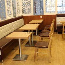 云南过桥米线店靠墙卡座沙发桌椅家具案例