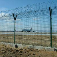 权硕厂家销售机场围栏网铁路护栏边坡护栏网