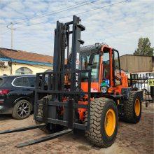 加装钢管夹的四驱5吨越野叉车福建福州厂家直销