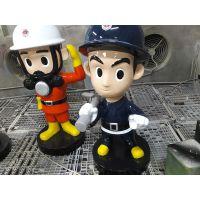 港城雕塑批发玻璃钢手拿消防水管卡通公仔、练兵、战士雕塑摆件