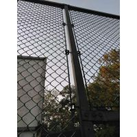 新郑市祥筑丝网运动场围栏、浸塑球场防护网勾花网、框架围网