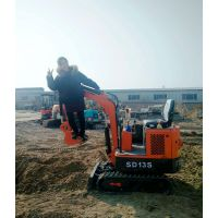 北京海淀区大棚内施工用的小型挖掘机 金鼎立超小型挖机