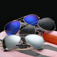 3026厂家直销太阳镜偏光3025批发经典反光彩膜复古炫彩潮人墨镜