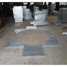 现货桥梁建筑钢格板 插接钢格栅规格 镀锌平台钢格栅板