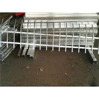 河北奔诺铁艺护栏厂家促销热镀锌草坪护栏