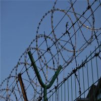 朋英厂家直销机场围栏网浸塑镀锌丝机场围栏网浸塑