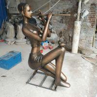 抽象人物雕塑 仿铜少女吹笛子模型 玻璃钢弹琴女子摆件